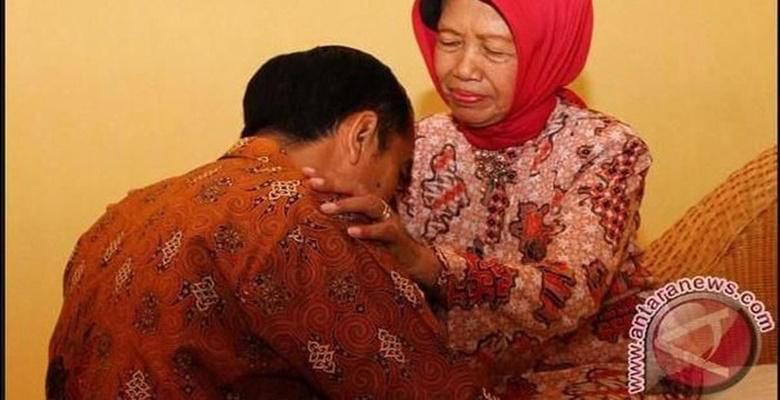 Ketika Jokowi Berduka, Ada Bangsat Yang Mengolok Keji
